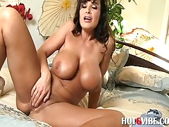 MILF Lisa Ann Fucks Herself With Vibrator