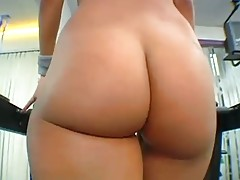 Naked big juicy booties at the gym