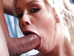 Deepthroat babe Tara Lynn ends up with a milky mouthful